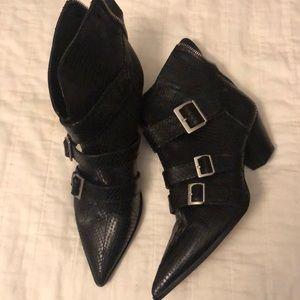 Brand new snakeskin Zara heeled boots